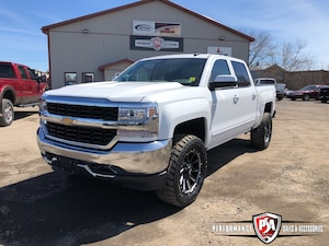 2018 Chevrolet Silverado 1500 LT 3.5 inch RCX LIFT WHEEL/TIRE PKG!