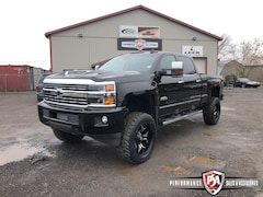 2017 Chevrolet SILVERADO 2500HD HIGH COUNTRY DURAMAX DIESEL 4X4!! Crew Cab