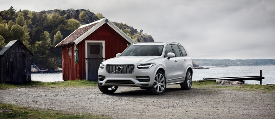 2018 volvo xc90 vs the 2018 audi q7 at performance volvo cars new volvo dealership in sinking. Black Bedroom Furniture Sets. Home Design Ideas