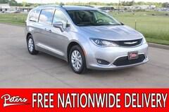 Certified Pre-Owned 2019 Chrysler Pacifica Touring L Van Passenger Van 2C4RC1BG9KR561305 in Longview, TX