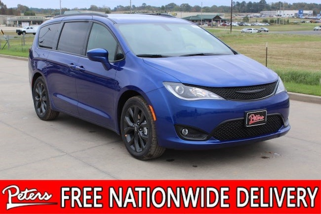 New 2019 Chrysler Pacifica TOURING L PLUS Passenger Van For Sale/Lease Longview TX