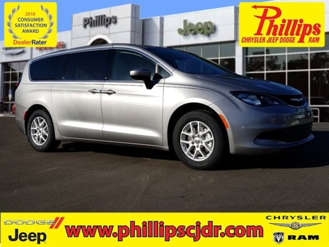 New 2019 Chrysler Pacifica LX Passenger Van in Ocala
