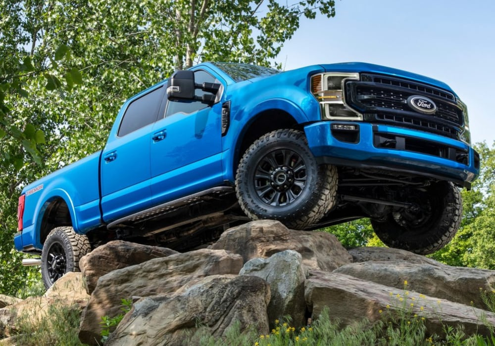 2020 Ford Super Duty F-250 Tremor crawling over large rocks