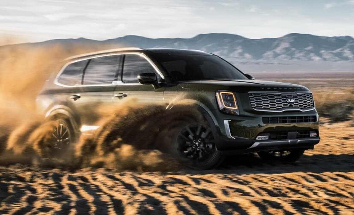 2020 Kia Telluride SX tearing up the sand dunes