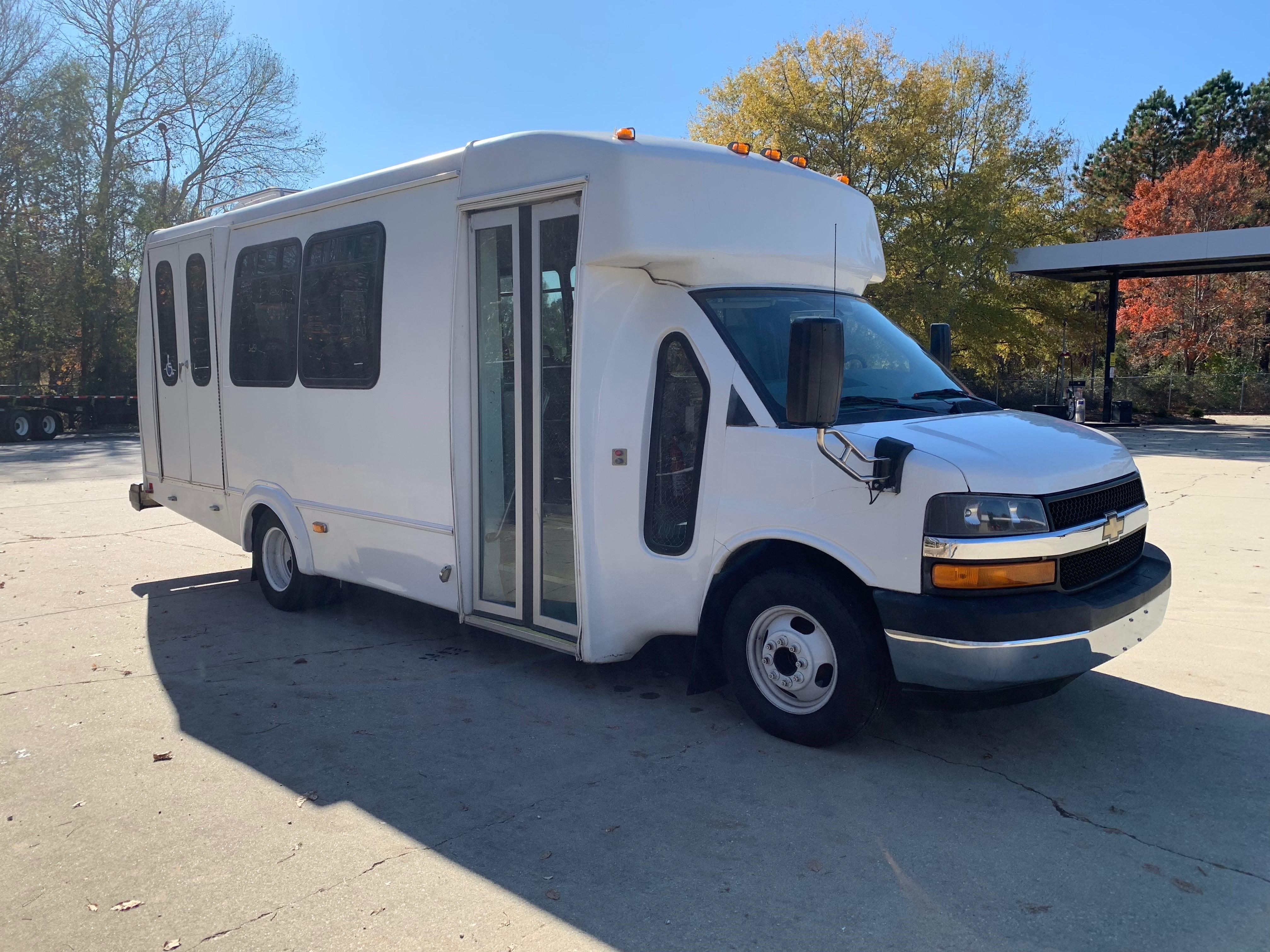 2012 Chevrolet Express Passenger 4500 Series Diesel Bus