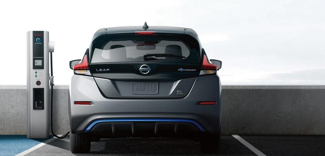 Charging Nissan Leaf