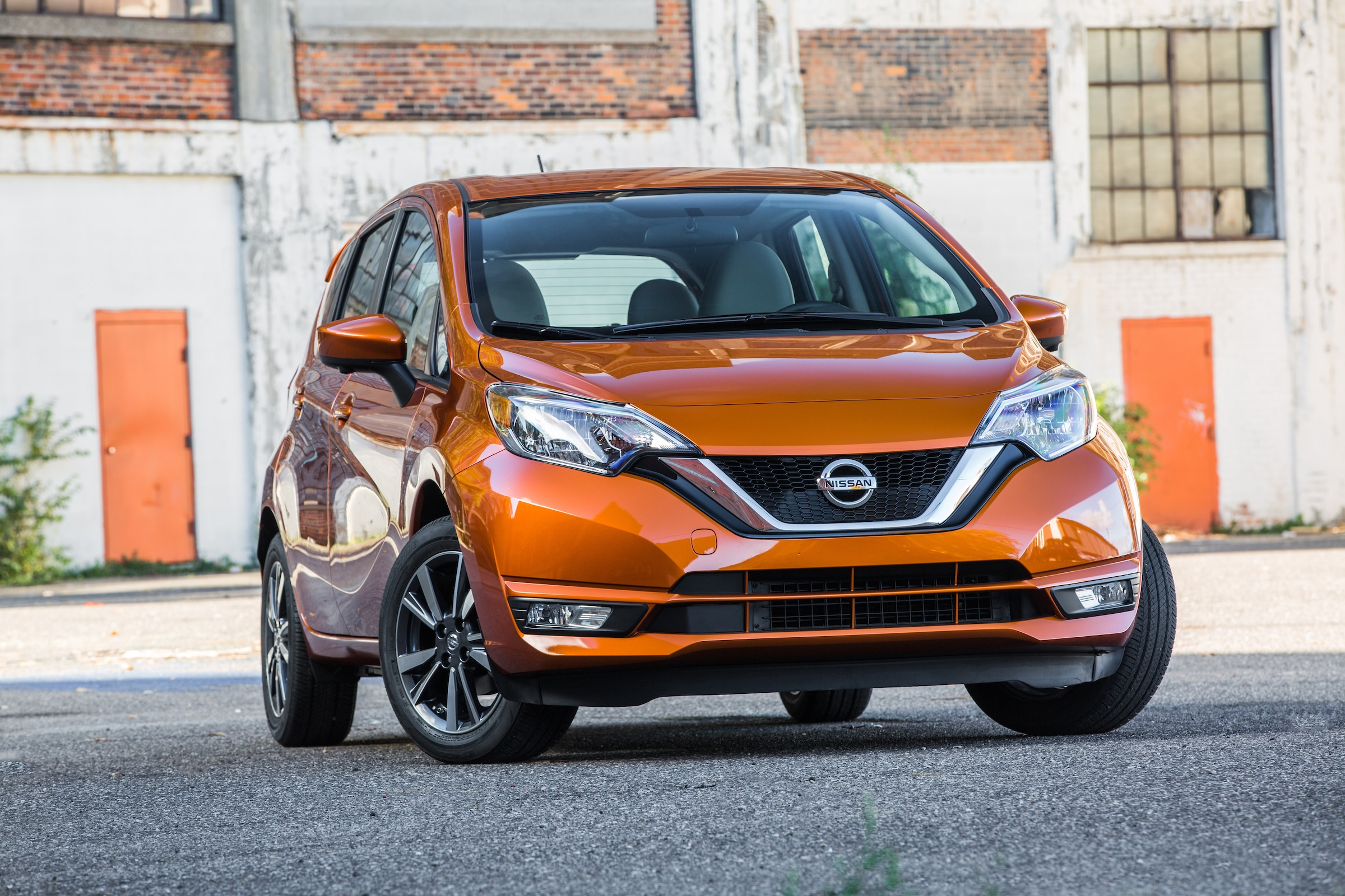 Versa Note Top Back-to-School Car