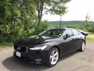 New Volvo 2018 Volvo S90 T5 AWD Momentum Sedan for Sale in South Deerfield, MA