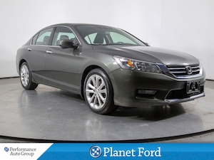 2015 Honda Accord TOURING. NAVI. LEATHER. HTD SEATS. ROOF