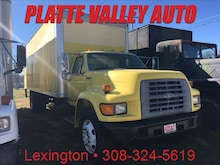 1998 Ford F700 24 FT BOX Truck