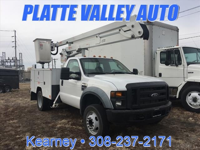 2009 Ford F-550 Chassis CAB AND Chas Truck Regular Cab