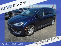Used 2018 Chrysler Pacifica Touring L Van for Sale in LaBelle, Florida