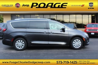 New 2019 Chrysler Pacifica TOURING L Passenger Van for sale in Hannibal, MO