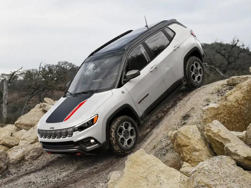Pollard Jeep of Boulder - Compare the 2022 Jeep Compass vs 2022 Kia Sportage near Steamboat Springs CO