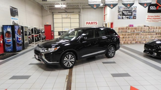 New 2019 Mitsubishi Outlander SE CUV For Sale/Lease Racine, WI