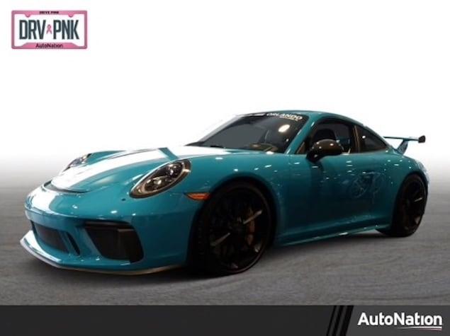 Porsche 911 GT3 in Miami Blue