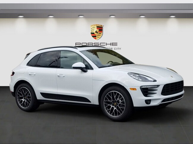 For Sale in Eastpointe: New 2018 Porsche Macan Sport Edition SUV