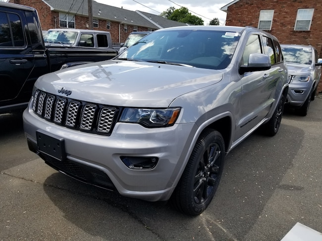 New 2019 Jeep Grand Cherokee ALTITUDE 4X4 Sport Utility for sale at Port Jervis Auto Mall in Port Jervis, NY