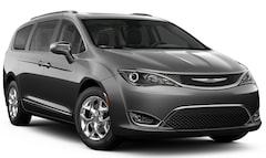 New  2019 Chrysler Pacifica LIMITED Passenger Van for sale in Poway, CA