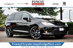 New  2019 Chrysler Pacifica TOURING L Passenger Van for sale in Poway, CA
