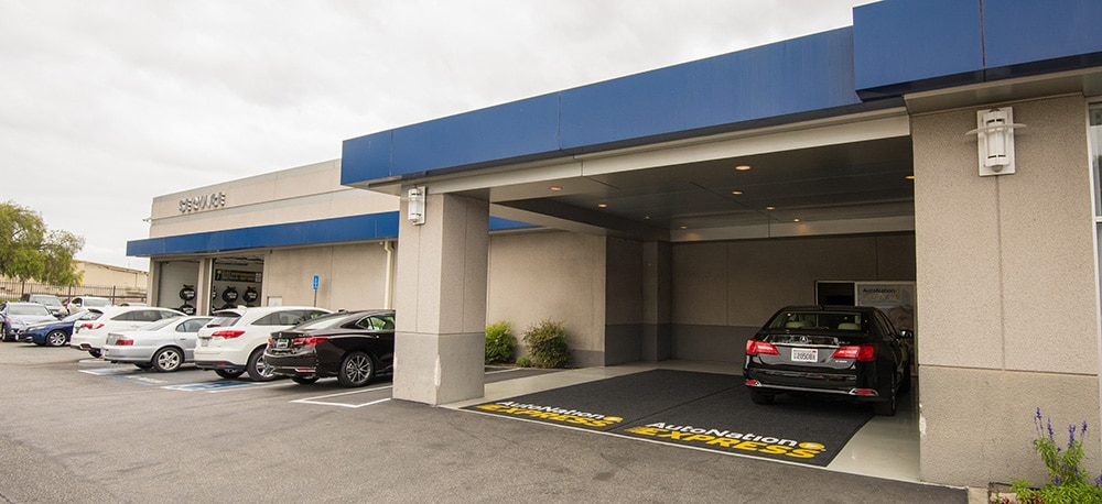 Exterior of AutoNation Acura South Bay Service Center