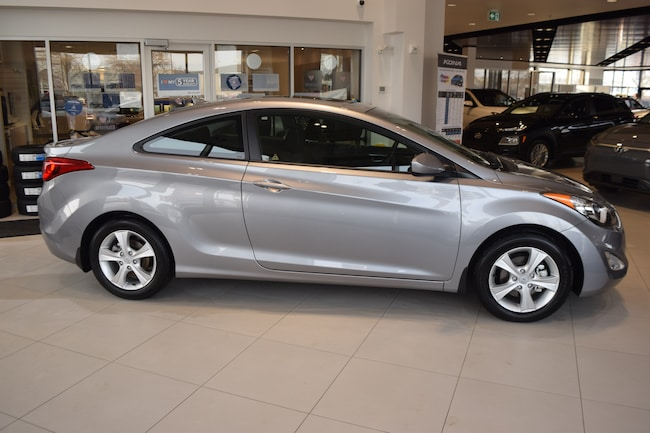 2013 Hyundai Elantra GLS w/ SUNROOF / 6 SPEED / LOW KMS Coupe