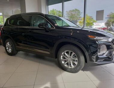 2019 Hyundai Santa Fe Essential AWD 2.4L Safety Package Dark Chrome SUV