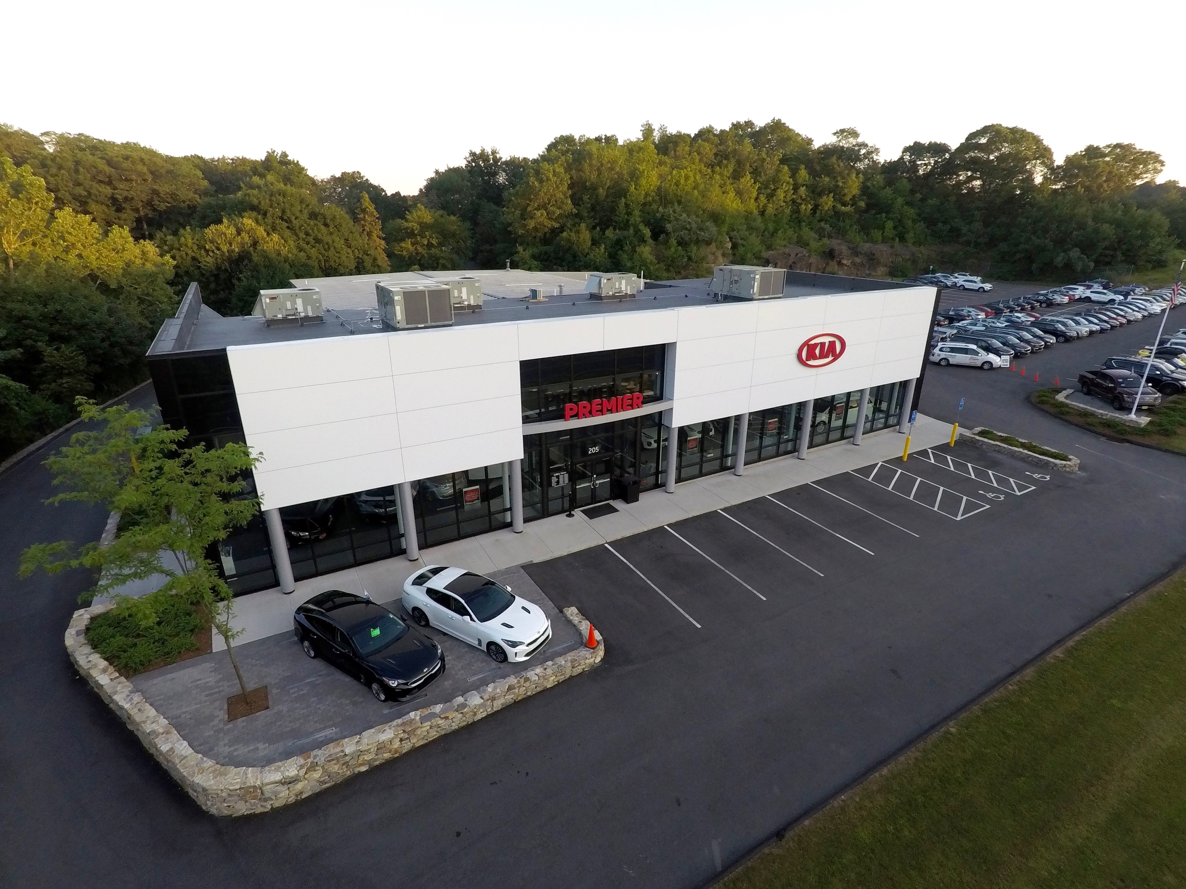 b4f204814c4c54 Our New World Class Kia Gallery Facility Is Here!