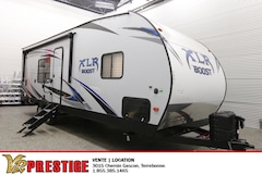 2019 FOREST RIVER XLR Boost 27QB Toy Hauler Cargo Garage Couche 6 personnes!