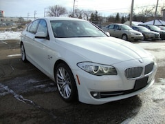 2011 BMW 550 i xDrive w/Nav/R.Camera/Bluetooth/Heads-up Sedan
