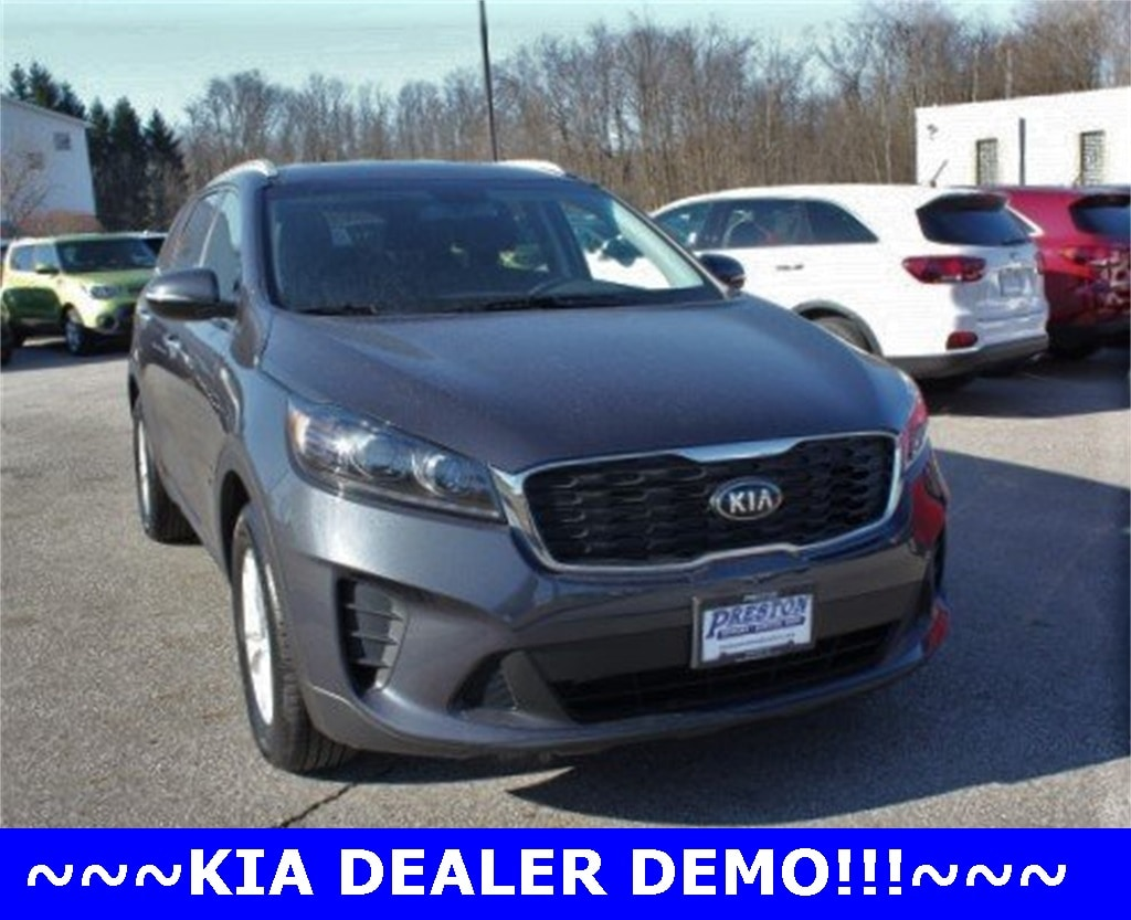 in Burton, OH 2019 Kia Sorento LX SUV