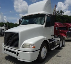 2008 VOLVO DAY CAB NO DPF