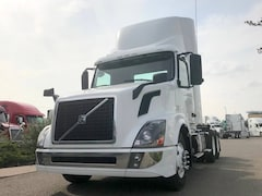 2013 VOLVO Day Cab *4 YEARS/2 MILLION KM WARRANTY AVAILABLE*