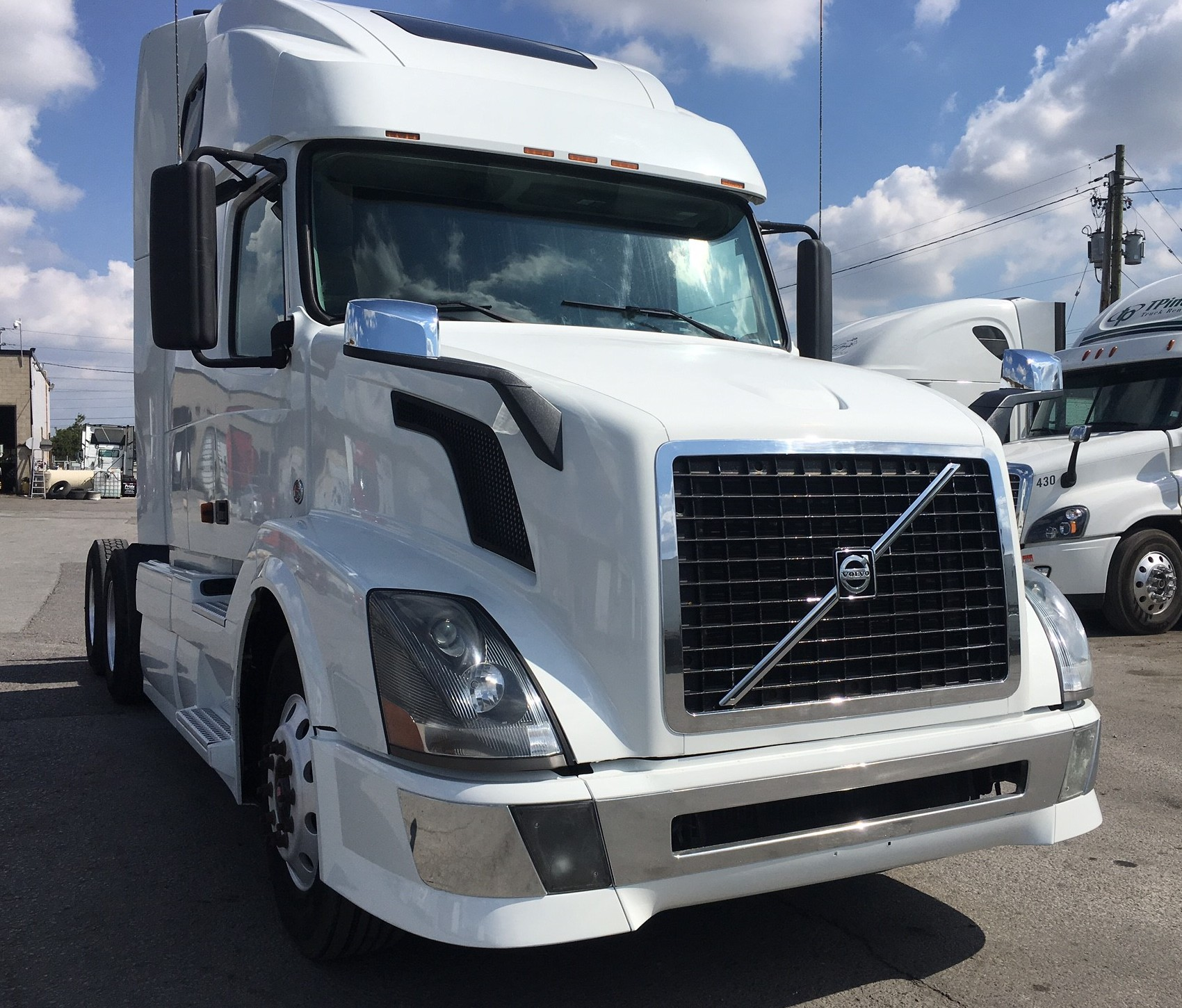 Pride Truck Sales | Heavy Trucks : Volvo, Freightliner ...