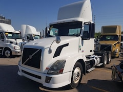 2012 VOLVO VNL 300 -LOW KMS-