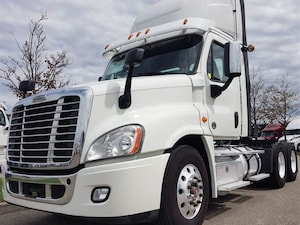 2017 FREIGHTLINER Day Cab *4 YEARS / 2 MILLION KM WARRANTY AVAILABLE*
