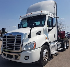 2017 FREIGHTLINER Day Cab