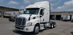 2014 FREIGHTLINER 58' Sleeper Bunk 6 Years/ 960000 KM Warranty