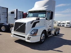 2013 VOLVO DAY CAB -