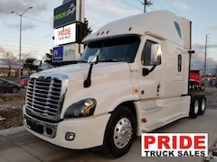 2017 FREIGHTLINER CASCADIA LOW LOW LOW MILAGE!