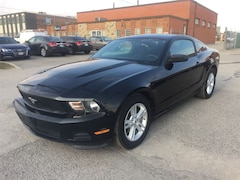 2012 Ford Mustang 6 SPD/LOW KMS Coupe