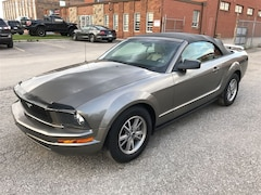 2005 Ford Mustang CONVERTIBLE/VERY LOW KMS Convertible