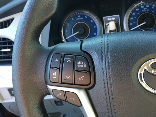 b670460ec427c3 Used 2018 Toyota Sienna L 7 Passenger For Sale in Hampton