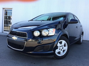 2015 Chevrolet Sonic LT, BACKUP CAMERA, HEATED SEATS, BLUETOOTH.
