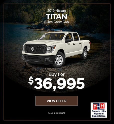 2019 Nissan Titan S 4x4 Crew Cab