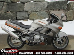 2002 KAWASAKI ZZR600 27$/SEMAINE