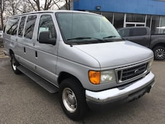 2007 Ford Econoline 350 Super Duty XLT Van