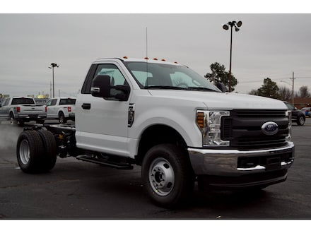 2019 Ford F-350 Chassis XL 4x4 XL  Regular Cab 145 in. WB DRW Chassis