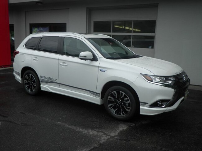New 2018 Mitsubishi Outlander PHEV CUV St. Johnsbury, VT