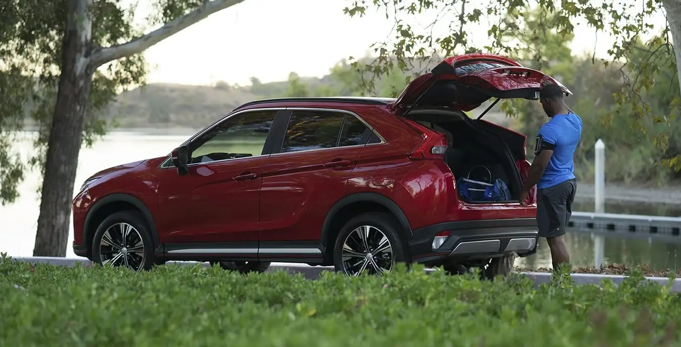 2019 Mitsubishi Eclipse Cross with Hatch Open